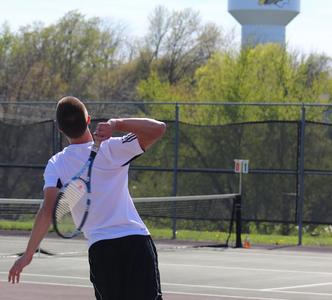 Boys Tennis Crush the Cyclones