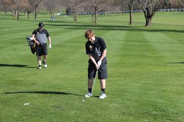 Boys Place Third at Harvester Golf Tournament