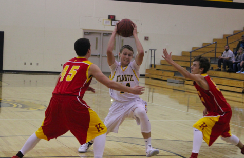 Freshmen Boys' Basketball Fights Against Glenwood