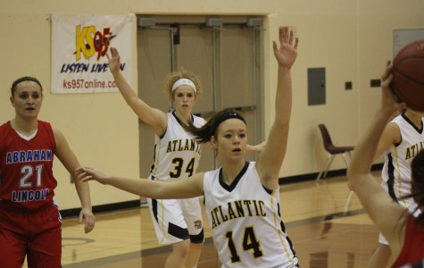 Atlantic Trojans Fall to Lynx in Season Opener