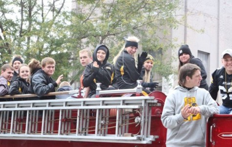 """2014 """"Trojan Throwback"""" Homecoming Parade (Pictures)"""