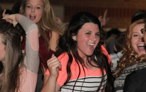 """""""Trojan Throwback"""" Homecoming Dance (Pictures)"""