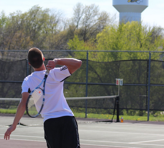 Boys Tennis Crush the Cyclones