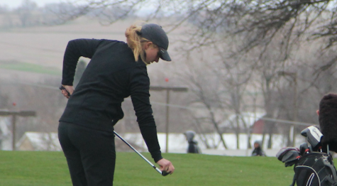 Girls Golf Beats Harlan by 22 Strokes