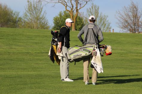 Boys' Golf Delivers Hawkeye Ten Title