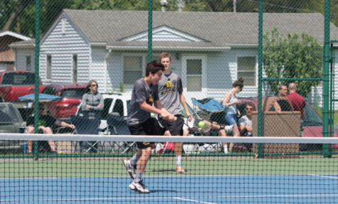 Trojan Tennis Places Second at H-10 Tournament