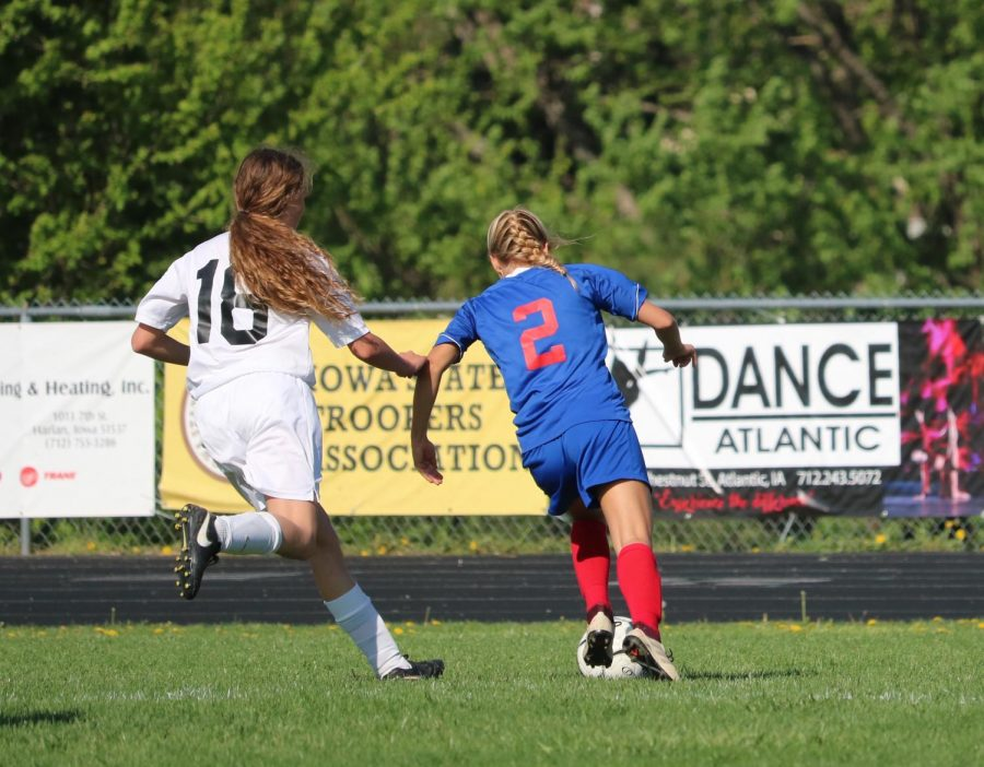 Girls' Soccer Wins Three Games in a Row