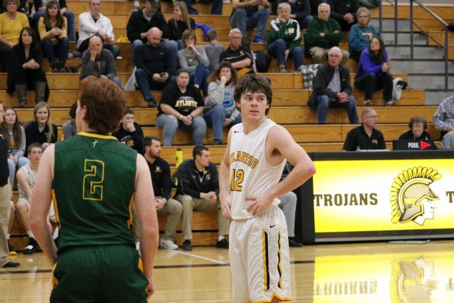 Senior+Chase+Mullenix+takes+a+breath+before+shooting+a+free+throw.+Mullenix+leads+his+team+in+points+per+game%2C+as+he+averages+17.8+in+each+contest.+Against+the+Rails%2C+Mullenix+scored+16+points.
