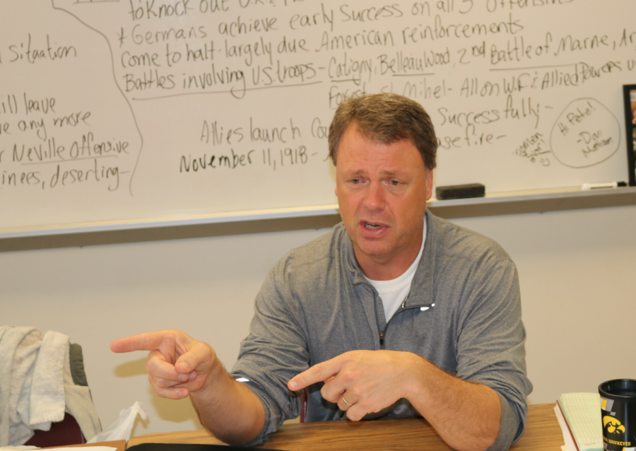 LOCK+IT+UP+-+American+History+teacher+Trace+Peterson+lectures+during+class.+Peterson+has+been+teaching+at+AHS+for+fourteen+years.