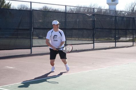 Fresh Trojan Lineup Hits the Tennis Courts