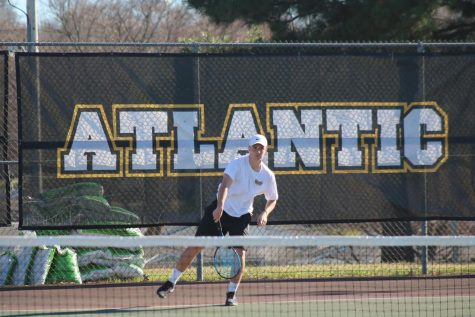Boys' Tennis Improves Record