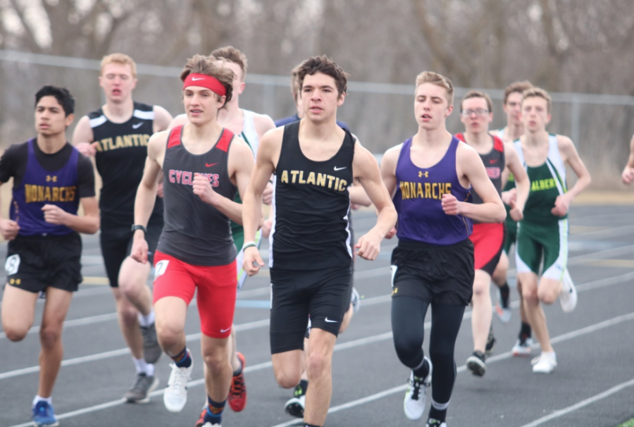 INCHING+AWAY+-++Senior+Jalen+Petersen+creeps+into+the+lead+position+during+the+3200m+run+at+the+Denison+meet.+Petersen+took+first+during+that+race+and+again+in+Harlan.