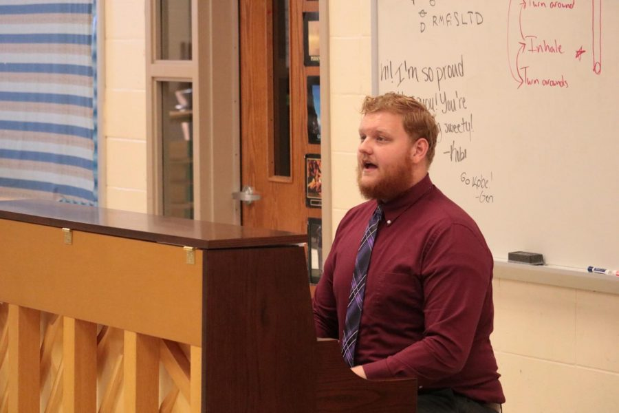 Ethan Pruisman plays a vocal warmup for the Chamber Chorale in the first few days of school.