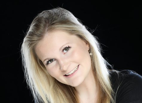Photo of Chloe Davis