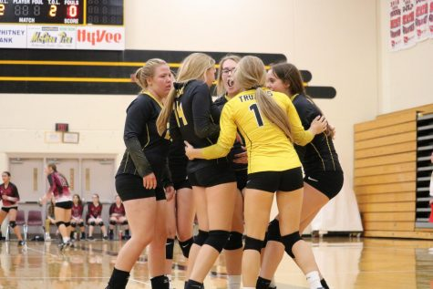 Volleyball Team Puts in Weekend Work