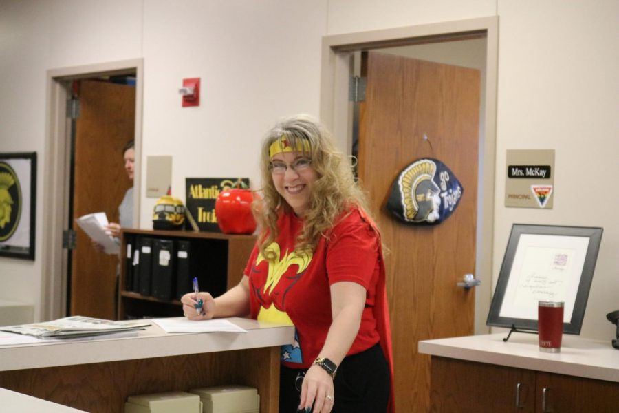 WONDER+WOMAN+--++Principal+Heather+McKay+wears+a+cape+to+complete+her+Wonder+Woman+costume.+McKay%E2%80%99s+love+for+Wonder+Woman+doesn%E2%80%99t+stop+at+her+attire.+Artwork+and+knick+knacks+of+the+superhero+can+be+found+all+over+her+office.
