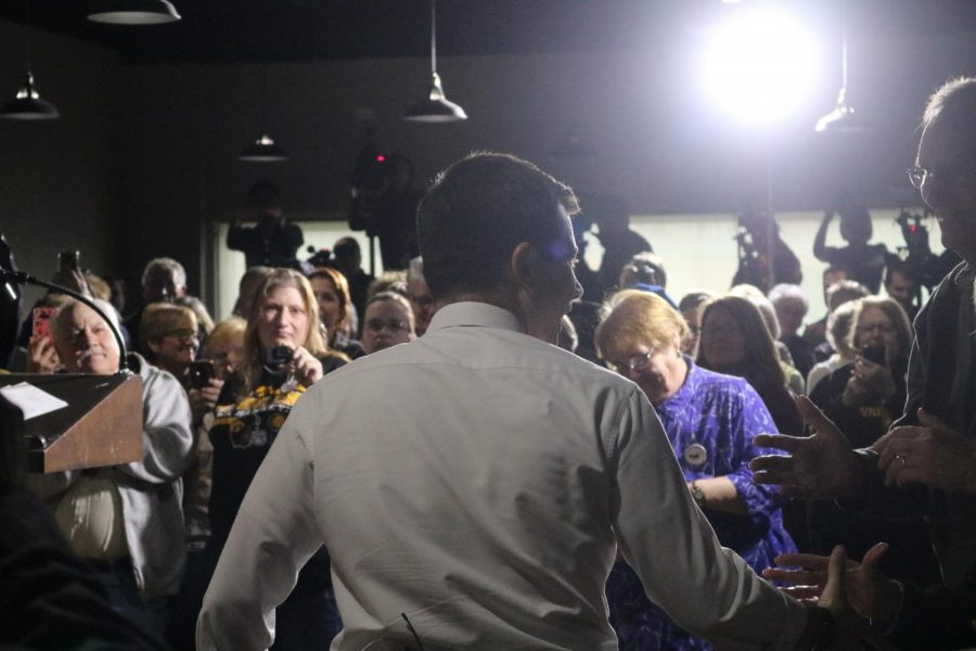 Mayor+Pete+Buttigieg+approaches+the+podium.+The+event+was+hosted+at+The+Venue+in+downtown+Atlantic.