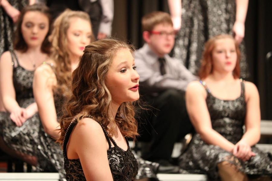 Sophomore+Katy+Rothfusz+sings+along+to+the+ballad.+Last+year%2C+Rothfusz+was+a+part+of+the+Diversity+show+choir%2C+but+this+year+she+is+in+Premiere.+
