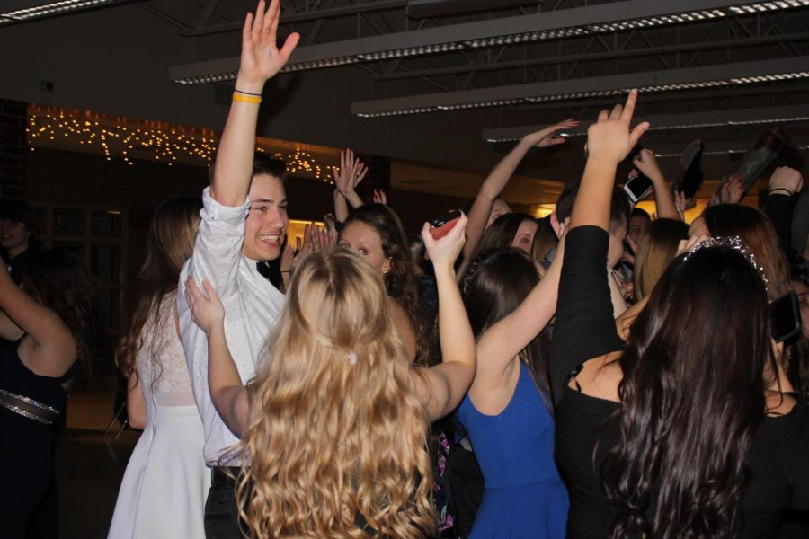The+crowd+rages+at+last+year%27s+Winter+Formal+dance.+Adriana+Mendez+was+crowned+queen+at+the+event.
