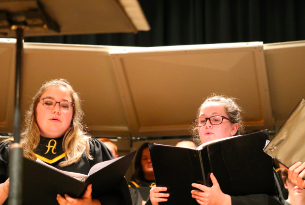 Seniors McKayla Weppler and Ana Muell perform at the Fall Debut Concert. Muell will be one of the students attending the festival later this month.