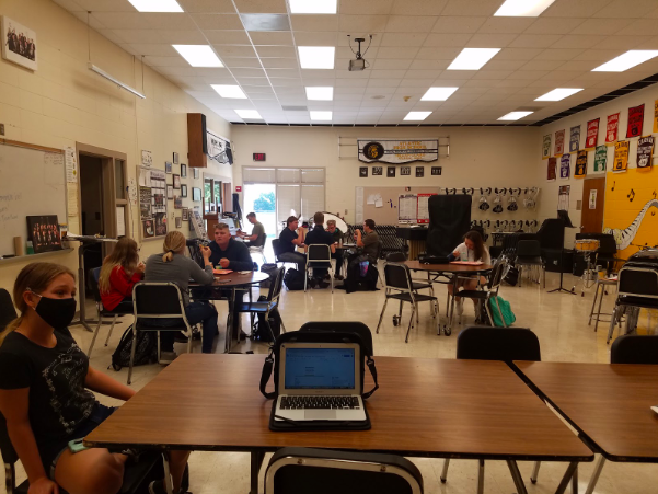 Due to social distancing procedures, students are offered the choice to either sit in the Band Room, Cafeteria, or Multipurpose Room. If the weather is nice enough, students could also go outside with their lunch.