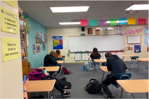 Second Hour Spanish One students prepare for class. Spanish One students will work on learning new vocabulary and commands this semester.
